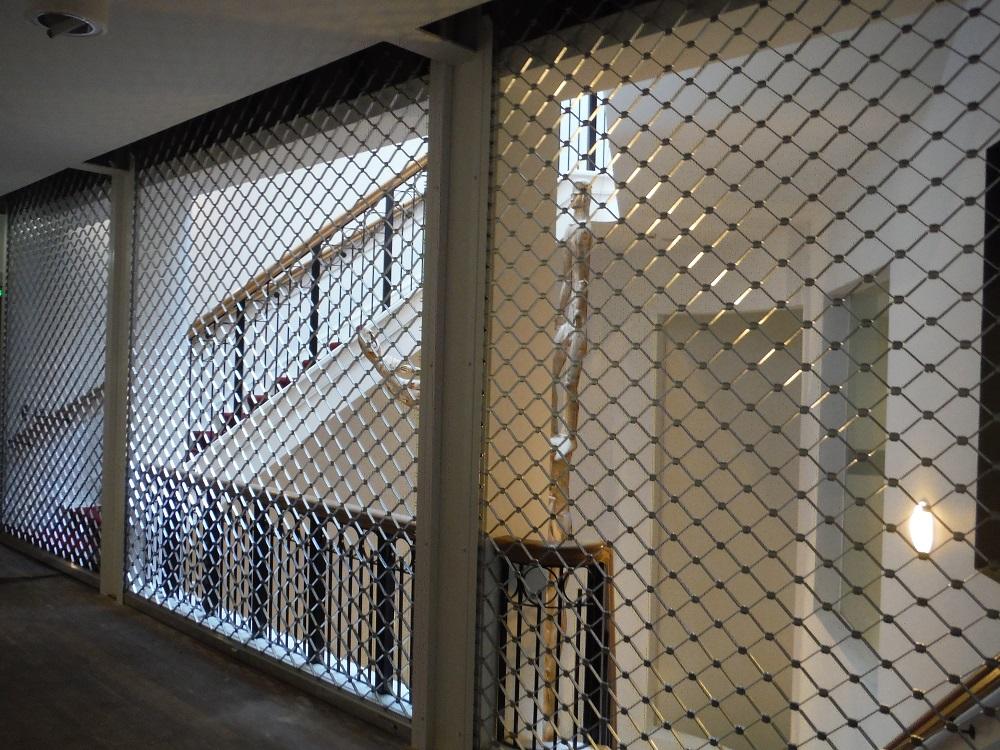 Wereldmuseum Rotterdam voorzien van beveiligingsrolhekken