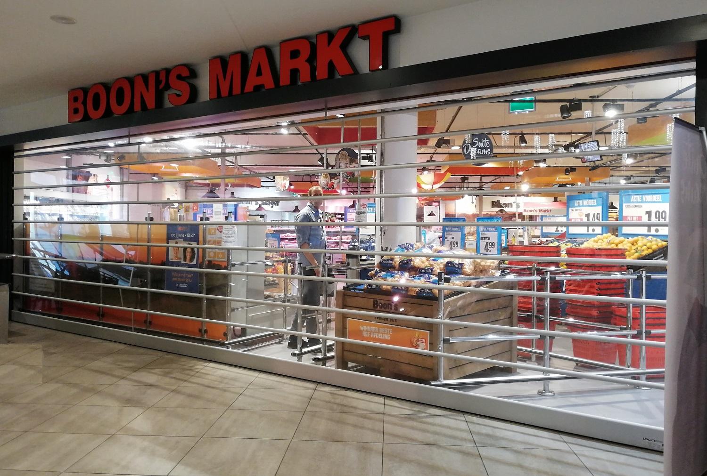 15 transparante rolluiken voor winkelcentrum