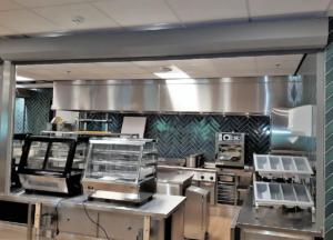 Balierolluik detail met omkasting aan keukenzijde